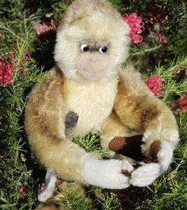 Steiff Gibbon 20cm. $145