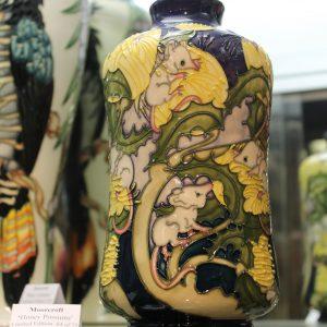 Moorcroft – Honey Possums Vase