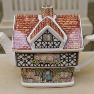 Sadler Ivy House Teapot