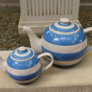 Cornishware Round 'Betty' Teapot - Large Six Cup Blue/White
