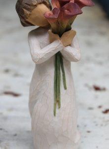 Bloom Figurine – 14cm Willow Tree