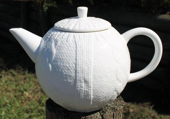 Cardigan Teapot - White