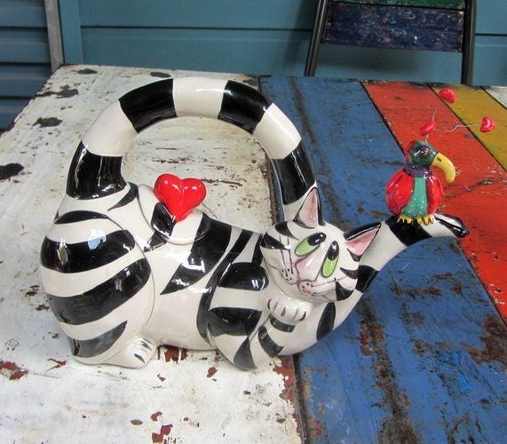 Black & White Cat Teapot - Lying