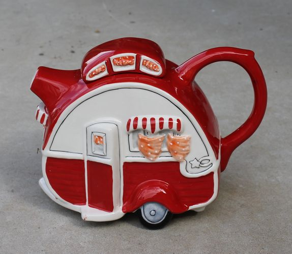 Teapot - Retro Red Caravan