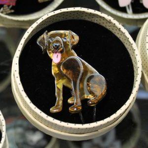 Erstwilder Brooch – 'Ava the Bisbehaver' Dog