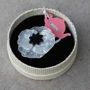 Erstwilder Brooch – Poppy Field – White