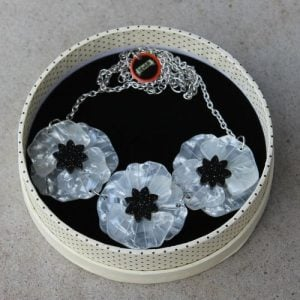 Erstwilder Necklace – Poppy Field – White