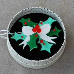 Erstwilder Brooch – Kiss Me Kindly (Mistletoe)