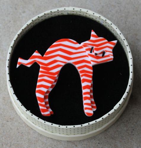 Erstwilder Brooch - Breton Kitty (Red & White)