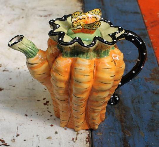 Carrot Bunch Teapot