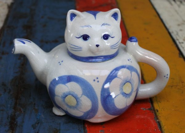Cat Teapot - Blue and White Floral