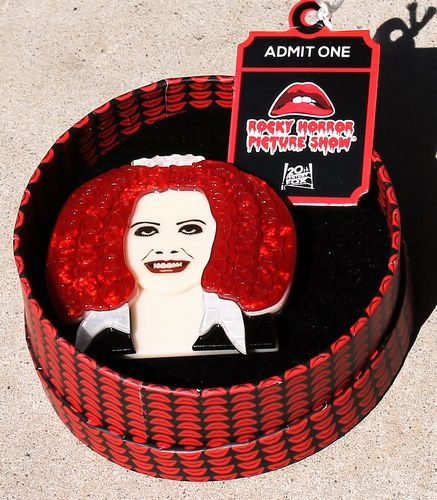 morpeth antique centre hunter valley erstwilder rocky horror picture show mercurial magenta brooch retro pin up collectable