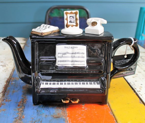 morpeth gift gallery hunter valley novelty teapot teapottery england cup collectable upright piano tony carter ceramics
