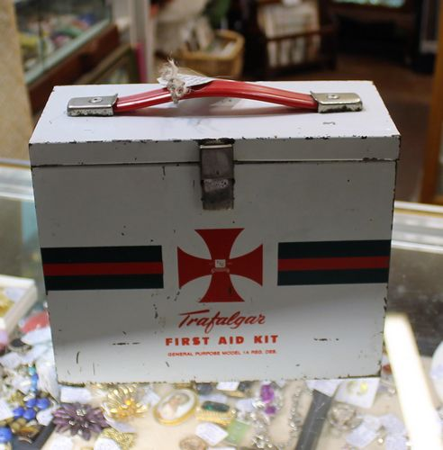 morpeth antiwque centre hunter valley first aid kit trafalger medical surgical equipment metal concertina carry box emergency