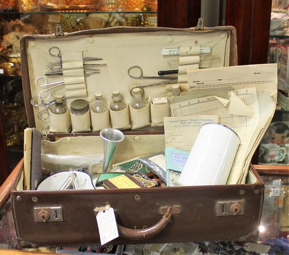 morpeth antique centre hunter valley doctor's bag vintage suitcase surgical instruments