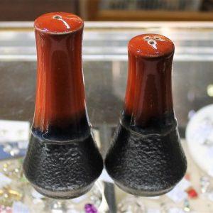 Ellis Pottery – Salt & Pepper