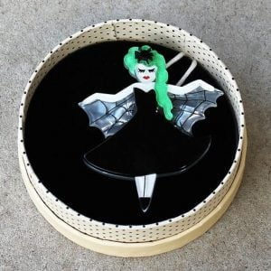 Erstwilder Brooch – Kiss of the Spider-Woman