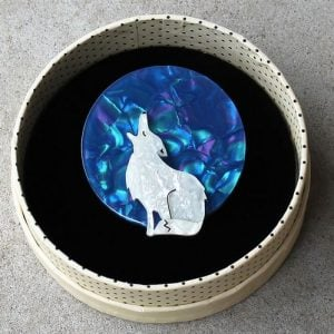 Erstwilder Brooch – Howling at the Moon