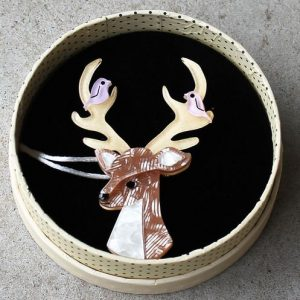 Erstwilder Brooch – Kind-Hearted Keresh (Deer)