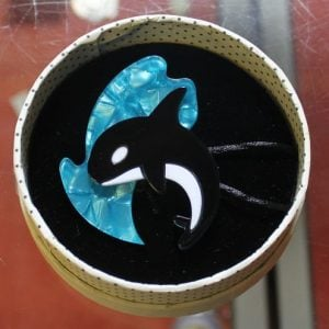 Erstwilder Brooch – Olinda the Honorable Orca