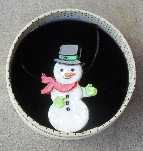 morpeth antique centre hunter valley erstwilder brooch gentleman frost frosty snowman retro pin up collectable