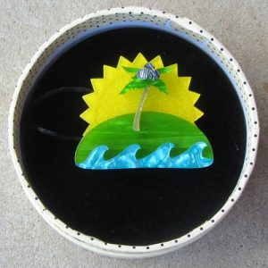 Erstwilder Brooch – Island in the Sun
