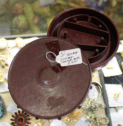 morpeth antique centre hunter valley alvey fishing reel junior tackle box bakelite