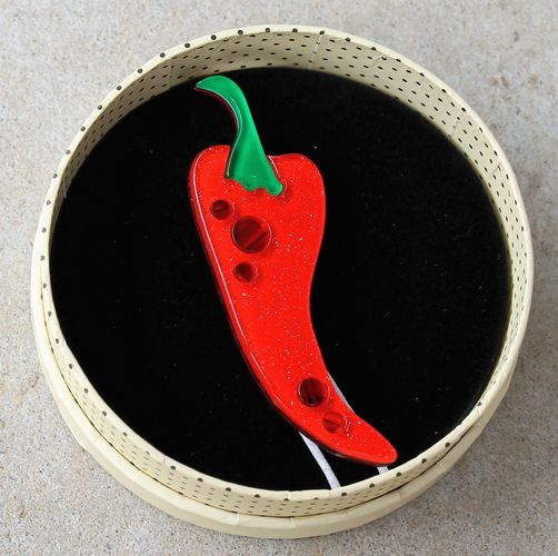 morpeth antique centre hunter valley erstwilder brooch necklace earrings cosas picante red hot chilli peppers spain travel spanish fiesta retro pin up collectable