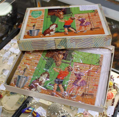 morpeth antique centre hunter valley shop 16 1950's made england jigsaw wooden puzzle original box farmyard feeding horse