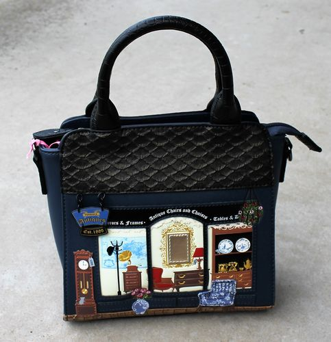 morpeth antique centre hunter valley shop store vendula handbag wallet coin purse collectable london
