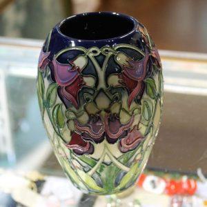 Moorcroft Vase – Sea Pea