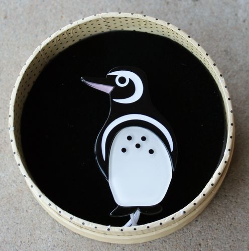 morpeth antique centre hunter valley erstwilder northside wanderer galapagos penguin endangered animals and birds brooch necklace earrings retro pin up collectable