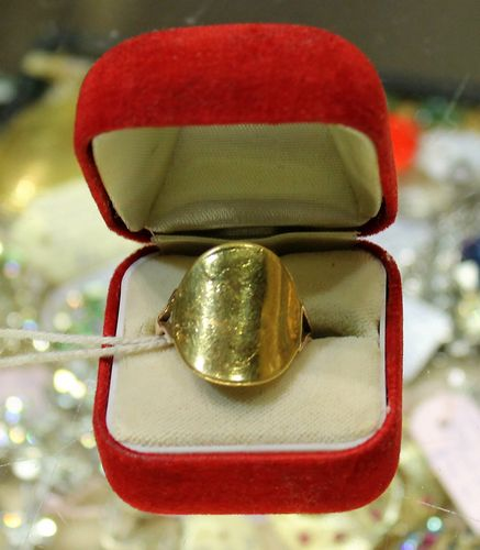 morpeth antique centre hunter valley shop three mandscoinsandbanknotes Australian sovereign george dragon 1891 solid 24ct gold ring