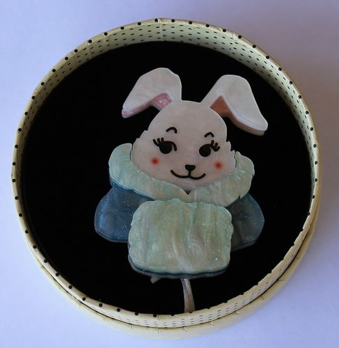 morpeth antique centre hunter valley erstwilder earrings brooch necklace all wrapped up snuggly buffy bunny rabbit retro collectable pin up