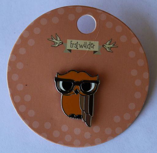 morpeth antique centre hunter valley erstwilder enamel pin waldo wise wacky owl retro collectable pin up