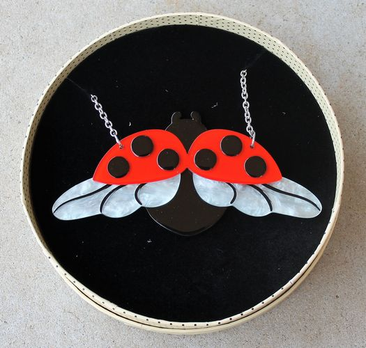 morpeth antique centre hunter valley old technology erstwilder fly away home lady beetle bird insects bugs butterflies butterfly brooch necklace earrings retro collectable pin up