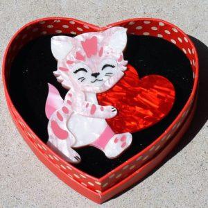 Erstwilder Brooch – Feline the Love (Cat)