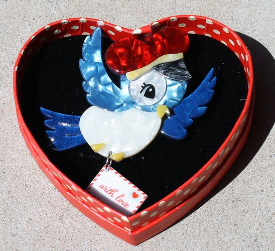 morpeth antique centre hunter valley erstwilder brooch earrings necklace special delivery blue bird valentines day 14th february love red roses heart gift sweet retro pinup collectable