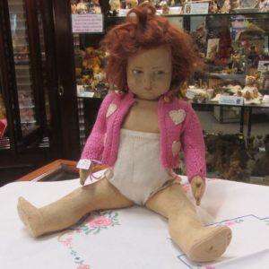 Crugnito Lenci Doll, pink cardigan