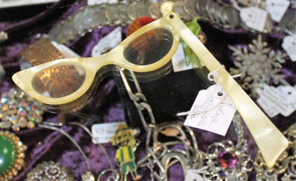morpeth antique centre hunter valley lorgnette opera glasses
