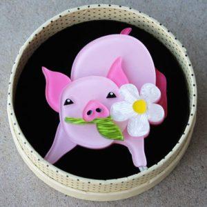 Erstwilder Brooch – Wilbur the Wonder Pig
