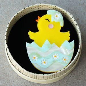 Erstwilder Brooch – Happy Hatchling (Chick in Egg)