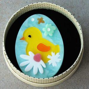 Erstwilder Brooch – Baby Bloomer (Chick Egg)