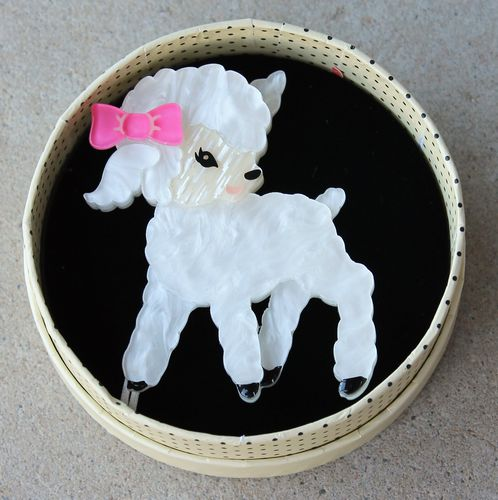 morpeth antique centre hunter valley erstwilder earrings brooch necklace dolly the dainty lamb sheep spring exuberant happy easter parade farm animals retro collectable pin up