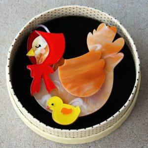 Erstwilder Brooch – Proud Mother Hen