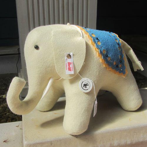 Morpeth Teddy Bears Steiff limited edition Hunter Valley Australia Feklt elephant large