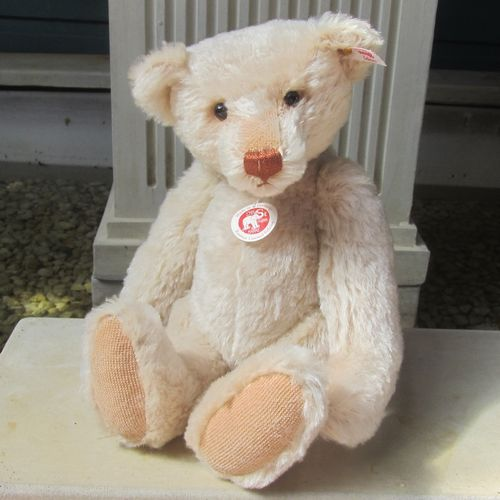 Morpeth Teddy Bears Steiff limited edition Hunter Valley Australia Rasmus press squeaker