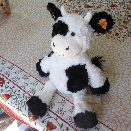 morpeth teddy bears hunter valley Steiff open edition Cobb cow