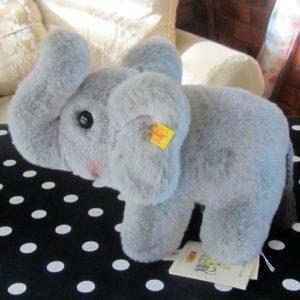 Hucky Elephant
