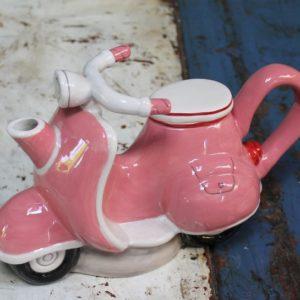 Teapot – Pink Vespa